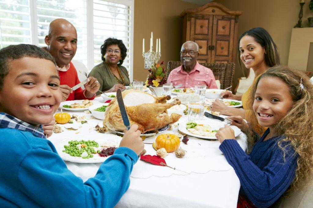 18735716_xxl.jpg Multigernation family celebrating holidays